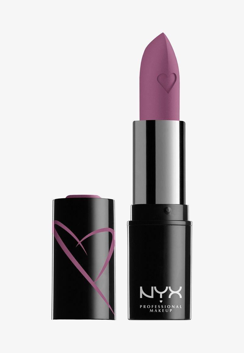 Nyx Professional Makeup - SHOUT LOUD SATIN LIPSTICK - Lipstick - in love