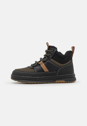 ASTUTO BOY - Lace-up ankle boots - military/black