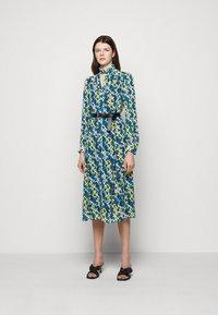 MICHAEL Michael Kors - FLORAL KATE  - Shirt dress - limeade - 0