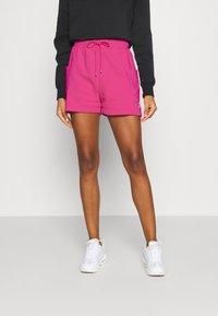 Nike Sportswear - AIR - Shorts - fireberry/(white) - 0