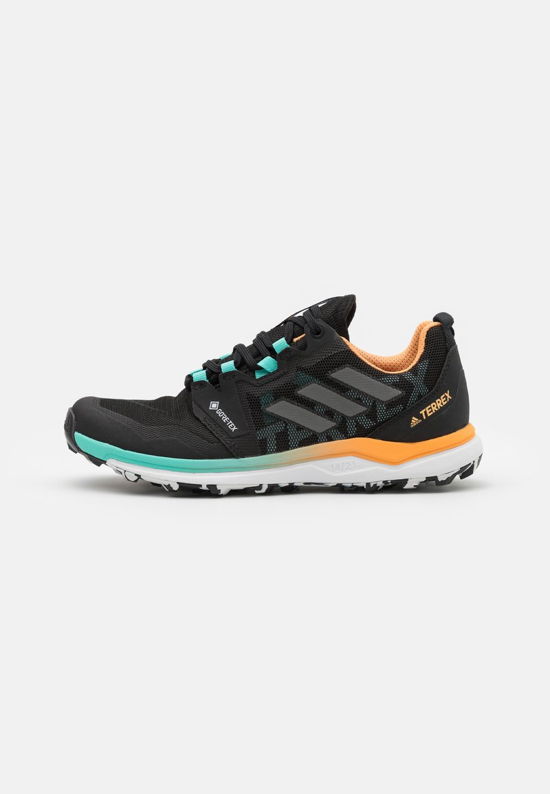 adidas Performance - TERREX AGRAVIC GTX - Løpesko for mark - core black/grey four/hazy orange