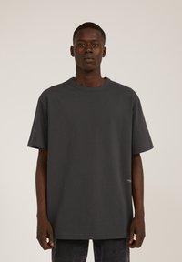 ARMEDANGELS - AALEX - Basic T-shirt - acid black - 0
