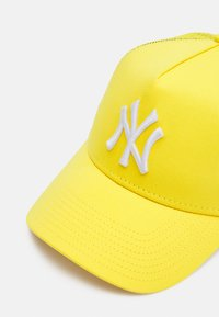 New Era - TONAL TRUCKER UNISEX - Cap - yellow - 3