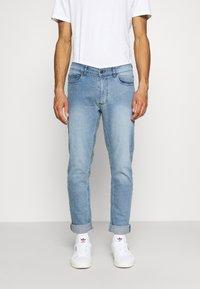 Burton Menswear London - SLIM JEAN - Slim fit jeans - blue - 0