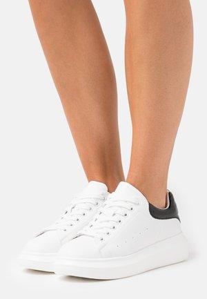 CELESTE - Baskets basses - white/black
