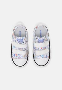 Converse - CHUCK TAYLOR ALL STAR BUTTERFLY FUN - Sneakers laag - white - 3