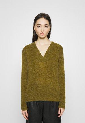 AMARA  - Stickad tröja - fir green