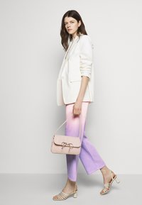 Olivia Rubin - LYNNIE - Straight leg jeans - lilac pink ombre - 3