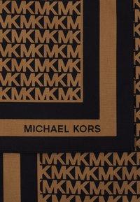 MICHAEL Michael Kors - LOGO SCARF - Skjerf - black/dark camel - 3