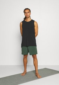 Nike Performance - SHORT - Pantaloncini sportivi - galactic jade - 1