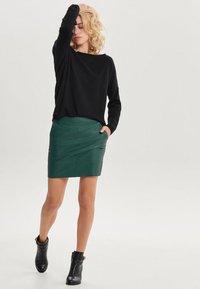 ONLY - ONLBASE  - Falda de tubo - dark green - 1