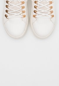 ONLY SHOES - ONLSTELLA  - Sneakers laag - offwhite - 5