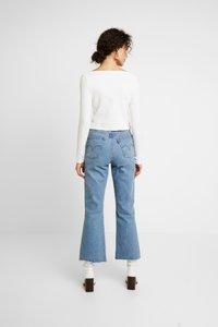 Miss Selfridge - SKINNY  - Long sleeved top - white - 2