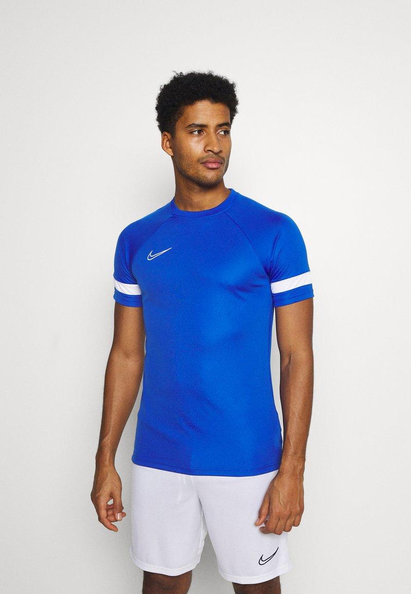Nike Performance - Camiseta estampada - game royal/white