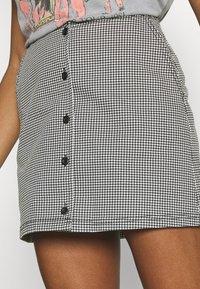 Obey Clothing - CREEPER SKIRT - Mini skirt - black/white - 3