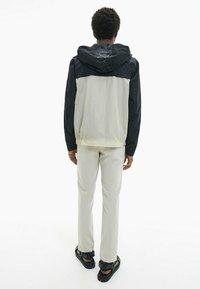 Calvin Klein - Summer jacket - bleached stone - 5