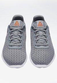Reebok - REEBOK DART SHOES - Sports shoes - grey - 5