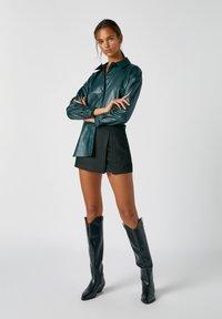 PULL&BEAR - A-line skirt - mottled black - 1