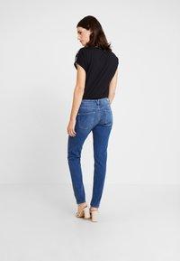 s.Oliver - SHAPE - Slim fit jeans - blue/stone wash - 2