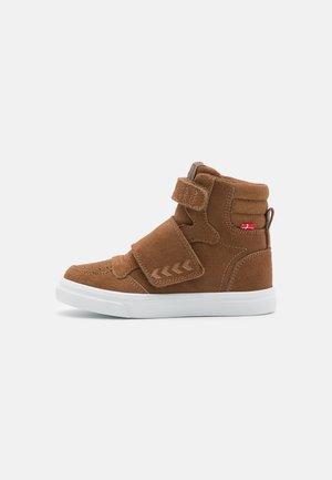 STADIL TONAL JR UNISEX - Sneakers hoog - camel