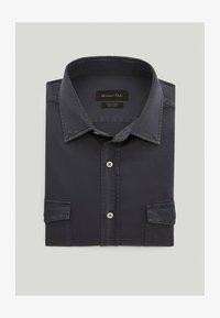 Massimo Dutti - MIT DOPPELTEN TASCHEN - Shirt - blue-black denim - 0