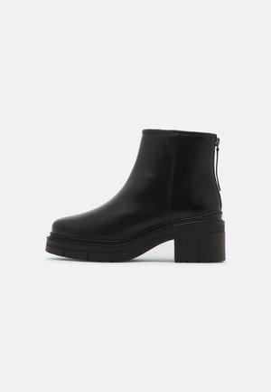 JOLOL - Platåstøvletter - black