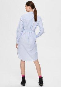 Selected Femme - BIO-BAUMWOLL - Robe chemise - blue yonder - 2