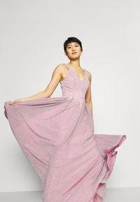 Mascara - Společenské šaty - ice pink - 5