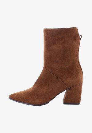 AMBER - Classic ankle boots - braun