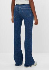 Bershka - Jeans bootcut - blue - 2