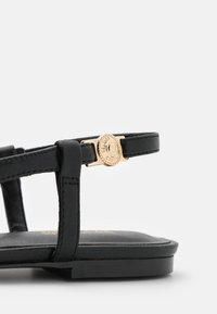 Versace Jeans Couture - Baleriny - black - 6