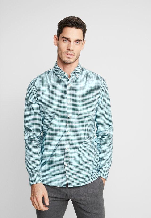 OXFORD SLIM - Shirt - green gingham