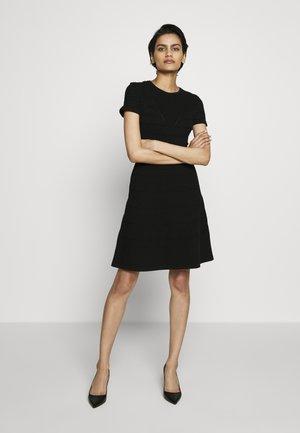 SATORINY - Strikket kjole - black