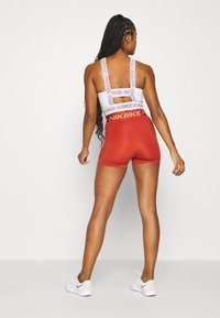 Nike Performance - SHORT HI RISE - Tights - firewood orange/amber brown - 2