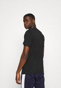 Nike Sportswear - TEE PREHEAT  - Print T-shirt - black - 2