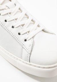 Birkenstock - BEND - Tenisky - white - 2
