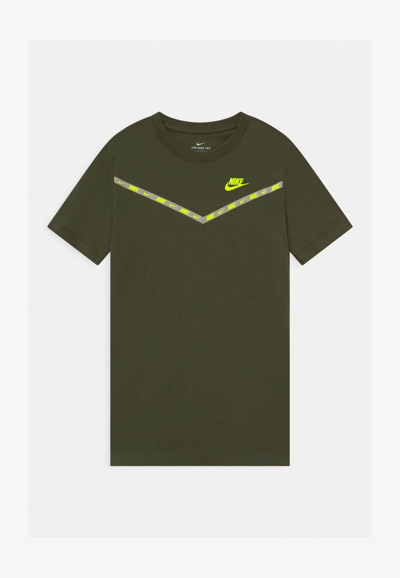 Nike Sportswear - CHEVRON - T-shirt print - cargo khaki