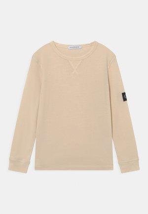 BADGE - T-shirt à manches longues - muslin