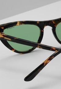 VOGUE Eyewear - GIGI HADID - Solbriller - brown - 4