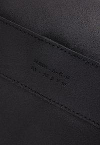 Zign - UNISEX LEATHER - Weekend bag - black - 4