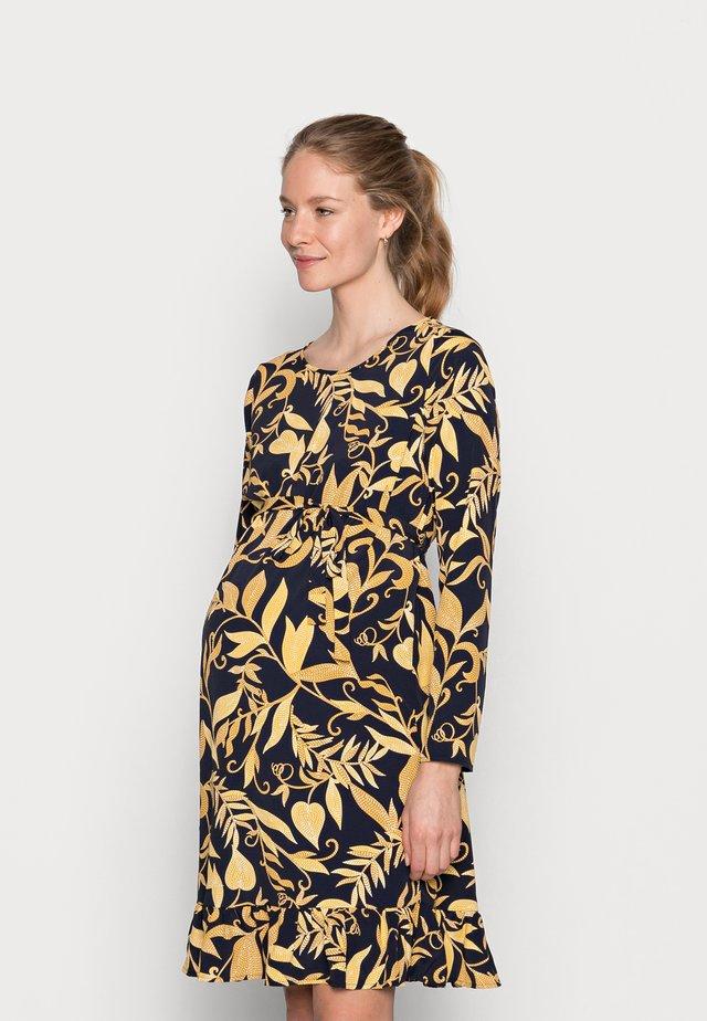 MLLOIRE DRESS - Denní šaty - navy blazer/yellow/orange