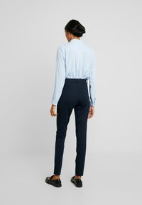 Fiveunits - ANGELIE - Trousers - navy zinni - 2