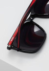 HUGO - Sunglasses - black/red - 5