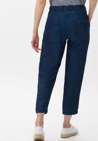 BRAX - Straight leg jeans - dark blue - 2