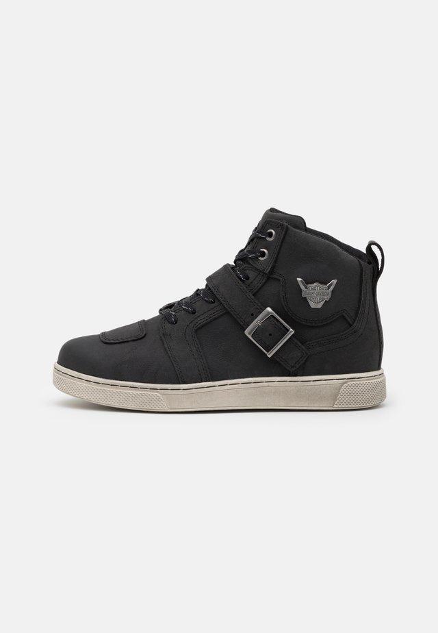 BATEMAN 4 METAL STRAP - Baskets montantes - black