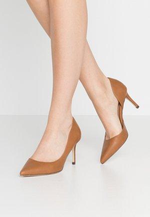 VICTORIA - High heels - cognac