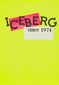 Iceberg - FELPA GIROCOLLO - Sweatshirt - giallo fluo - 2