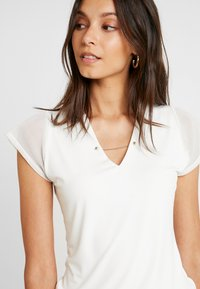 Esprit Collection - V NECK - Print T-shirt - off white - 4