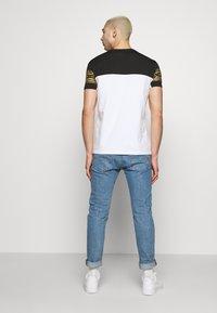 Kings Will Dream - KINGS WILL DREAM - T-Shirt print - white/ gold - 2