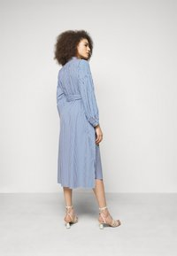 WEEKEND MaxMara - RAGAZZA - Robe chemise - azurblau - 2